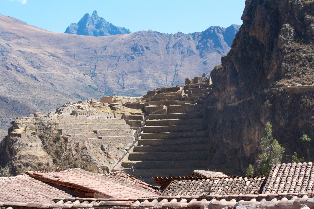 Ollantaytambo's Fortress, rock and water beats steel and horses